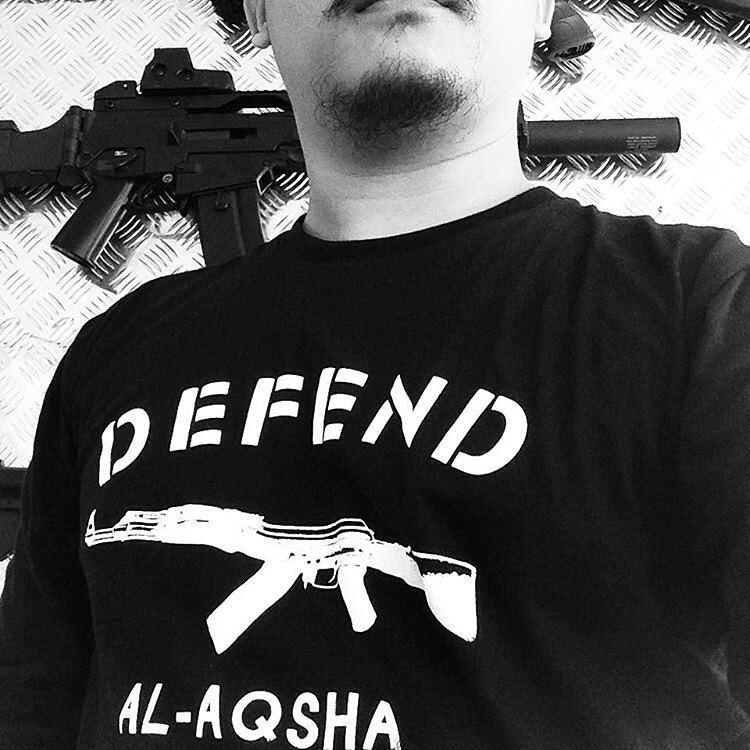 04. Kaos Muslim Pria Tema Perlawanan