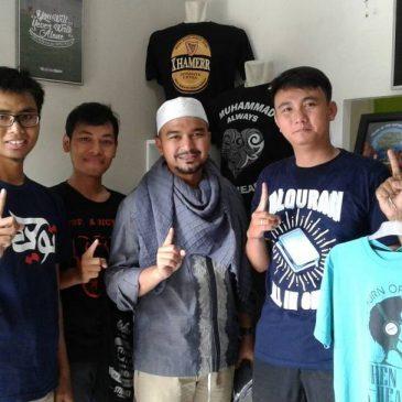 Inilah Macam-Macam Tema Kaos Muslim Pria Tahun 2016