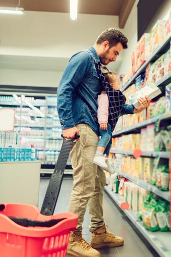 Mengenal Informasi Nilai Gizi Pada Kemasan Makanan Anak